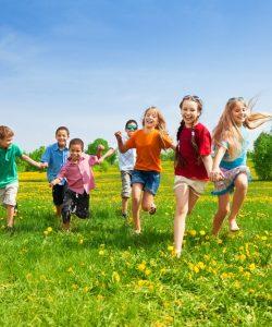 10 sfaturi pentru a crește copii fericiți și sănătoși