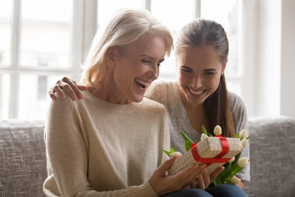4 sfaturi pentru a-ți surprinde mama de Ziua Mamei