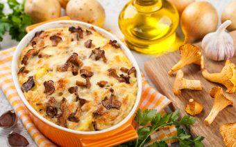 Ciuperci gratinate cu bacon