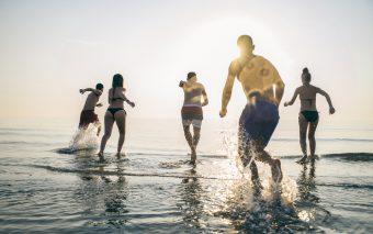 10 beneficii ale mării. De ce e bine să mergi la mare