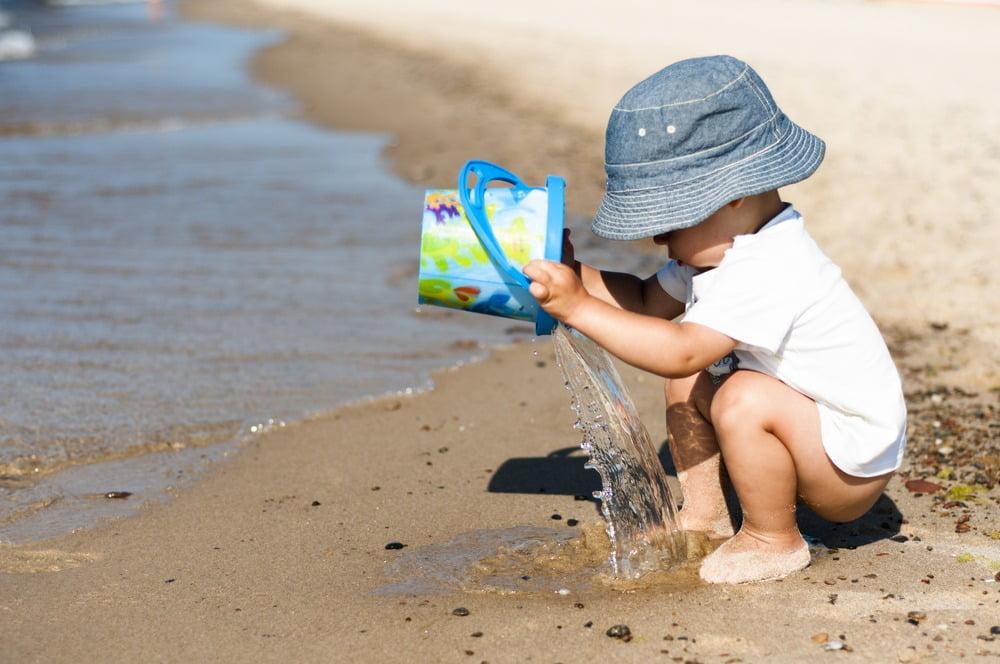 Cum să protejezi bebelușul de căldură. 5 sfaturi pentru a proteja copiii de căldură și soare