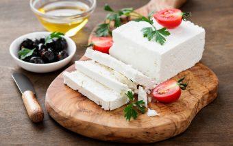 Beneficiile brânzei feta. 8 proprietăți incredibile ale brânzei grecești