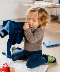 Copilul nu vrea să se îmbrace dimineața. Ce poți face?