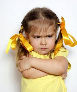 Primele emoții ale copiilor: cum se dezvoltă? Cum le gestionezi?